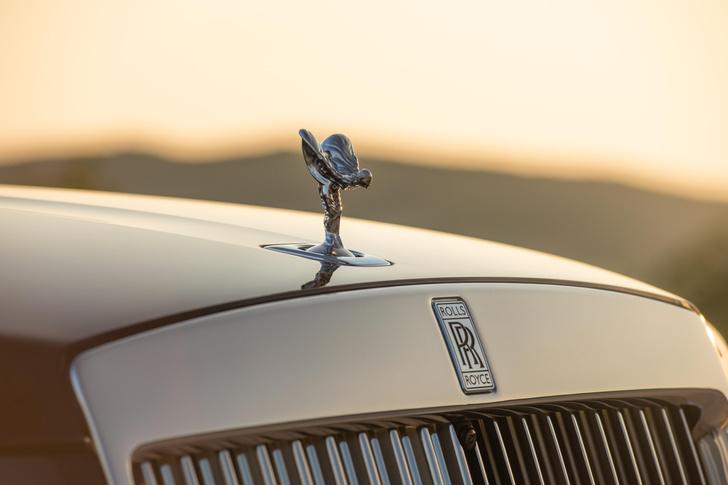 Фото №10 - Ти-ши-на! 10 важных фактов о новом Rolls-Royce Ghost