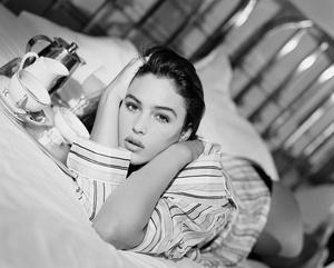 Фото №4 - Богиня красоты: 20 фото юной Моники Беллуччи, в которую невозможно не влюбиться