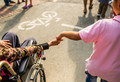 Волонтерство: как помогать без надрыва и с радостью?
