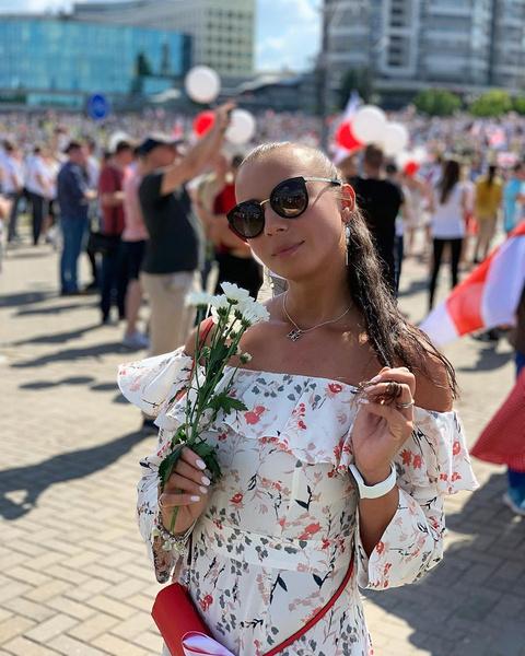 Фото №19 - Самый красивый протест в мире: истории белорусских женщин, восставших против ОМОНа