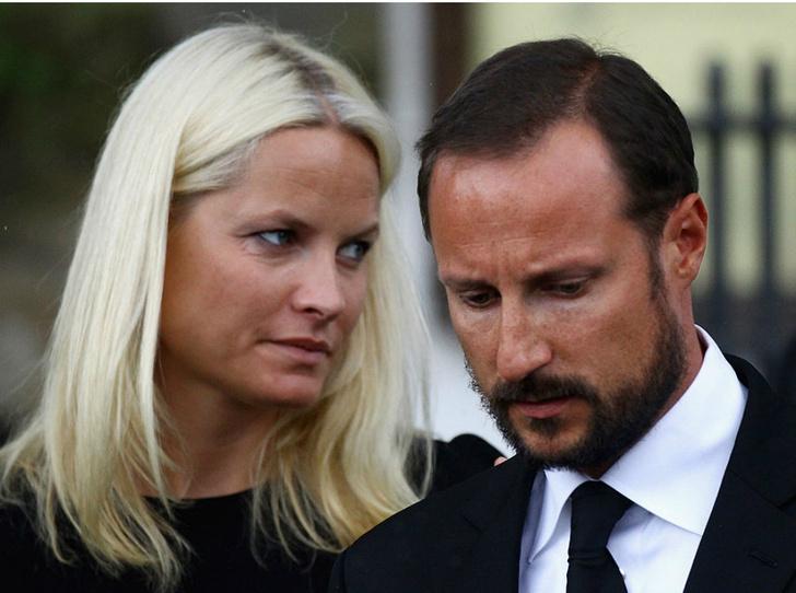Фото №11 - Итоги года: самые громкие скандалы с участием королевских семей