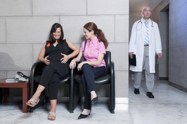 Фото №1 - Беременность понарошку: зачем женщины притворяются, что ждут ребенка, и к чему это в итоге приводит