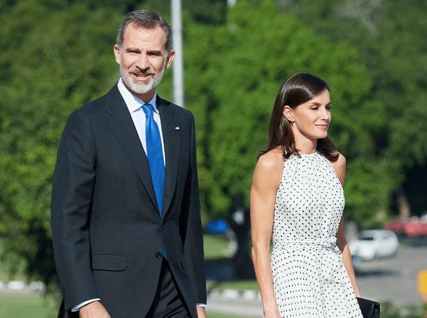 Фото №3 - Испанские монархи совершили исторический визит на Кубу