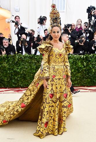Фото №22 - Met Gala 2018: платья, которые уже вошли в историю