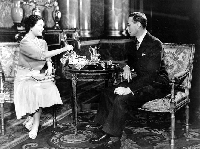 Фото №2 - Ее Величество дала добро: правила чаепития королевской семьи