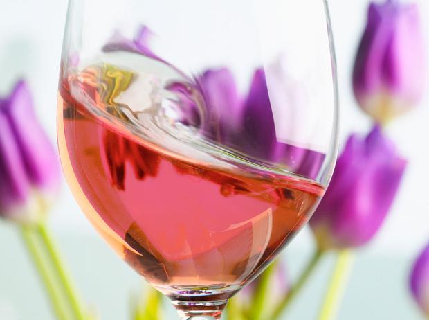 Фото №1 - Между красным и белым: каким бывает розовое вино