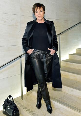 Фото №14 - Главная из Кардашьян: самые впечатляющие наряды Крис Дженнер