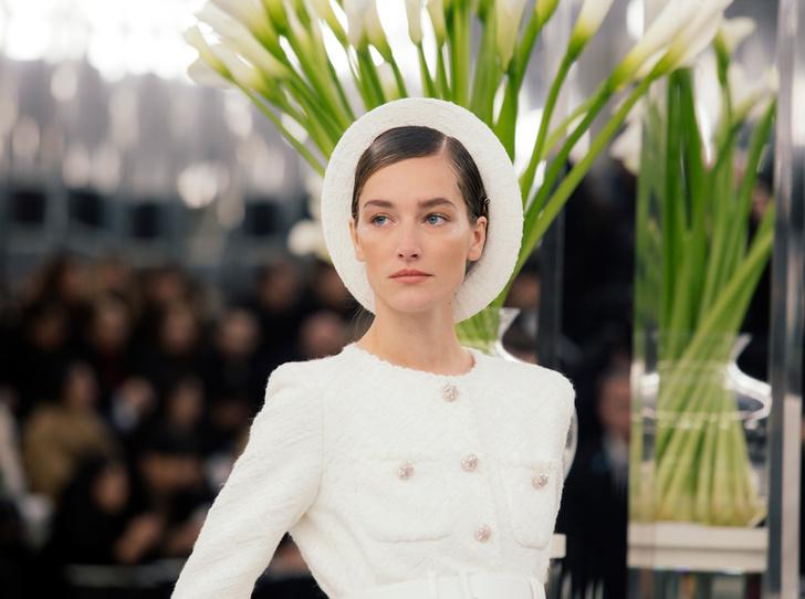 Фото №1 - Между ангелом и бесом: обзор кутюрной коллекции Chanel SS-2017