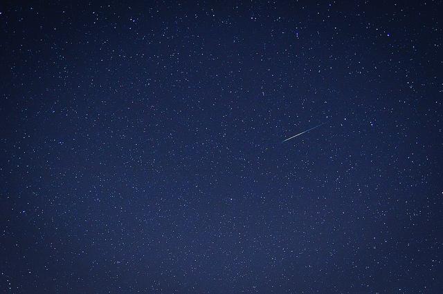 Фото №1 - В январе россияне увидят звездопад и парад планет
