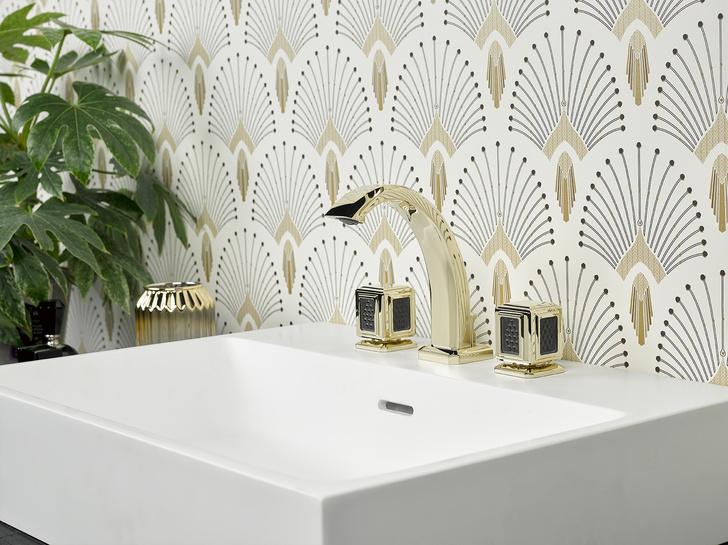 Фото №1 - THG Paris x Lalique: 20 лет сотрудничества