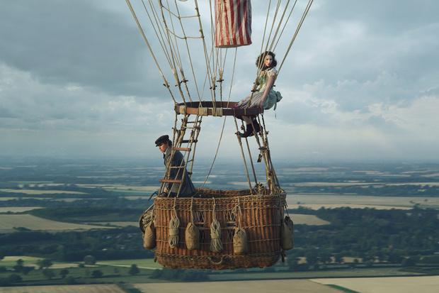 Фото №2 - MAXIM рецензирует фильм «Аэронавты» по мотивам реальных похождений воздушного шара