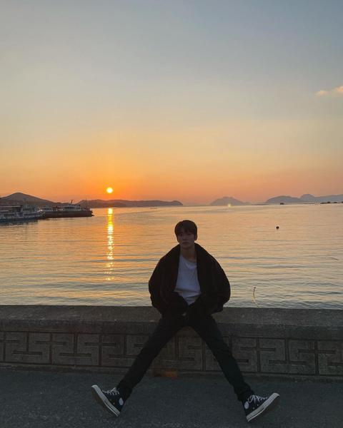 Фото №8 - Ура! Тэён из NCT наконец-то завел личный Инстаграм 🤩