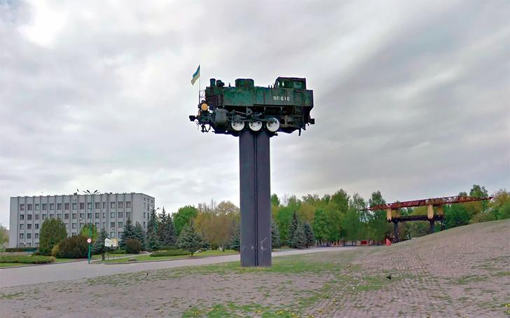 Фото №1 - Француз собрал виртуальную галерею чудных артефактов СССР