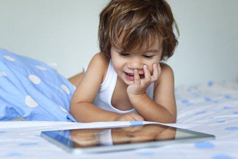 Фото №2 - Можно ли давать ребенку планшет