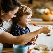 Ребенок отказывается есть: правильно ли вы реагируете?