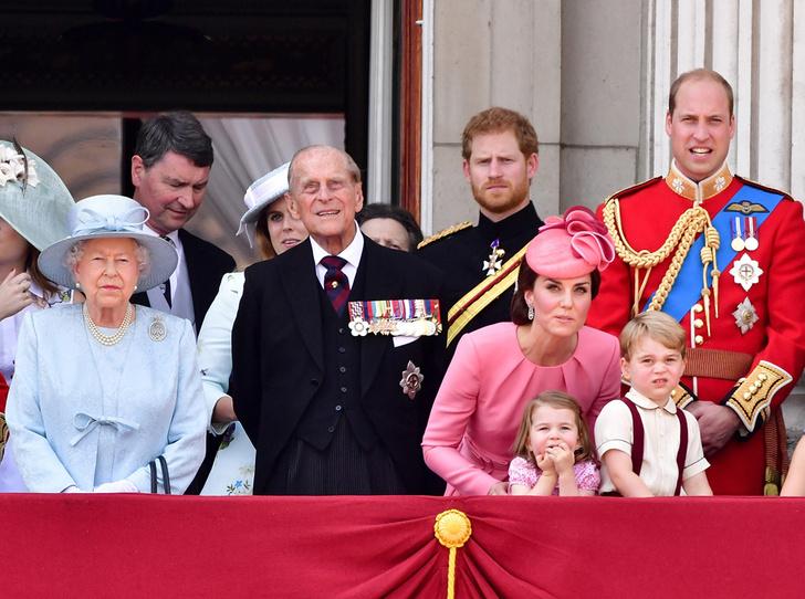 Фото №1 - Как звучат полные имена и титулы членов британской королевской семьи