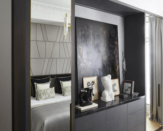 Фото №13 - Квартира с элементами нового ар-деко в Париже