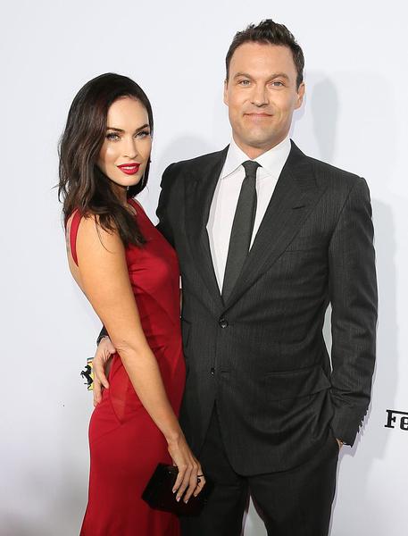 Фото №1 - Звездные пары, которые постоянно разводят в СМИ