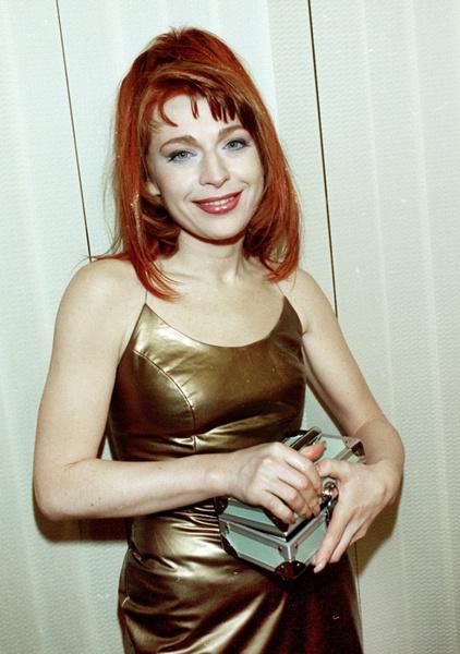 Фото №2 - Неудачная пластика, муж-абьюзер и продюсер-аферист: как сложилась жизнь звезды 1990-х Алисы Мон