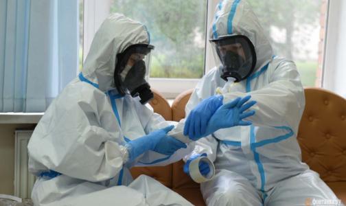 Фото №1 - Эпидемия всё ещё здесь. Как лечат в «грязной зоне» Первого меда