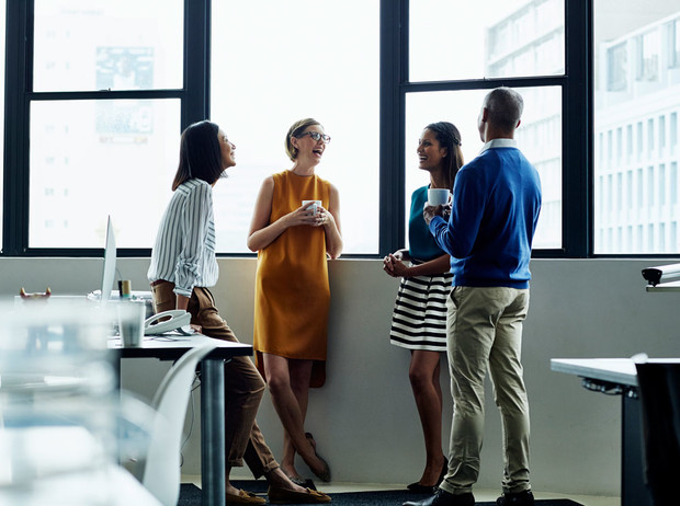 Фото №2 - Ничего личного: правила дружбы с коллегами
