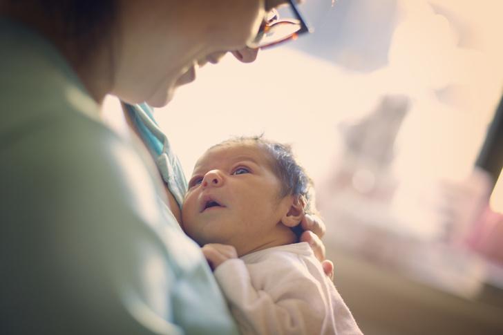 Фото №1 - Ученые рассказали, как на женщин влияет рождение детей в зрелом возрасте