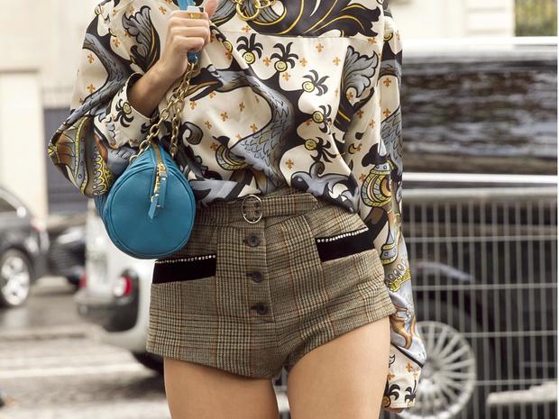 Фото №1 - Как носить шорты зимой: советы стилиста