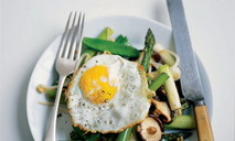 Яйца и грибы шиитаке по-восточному
