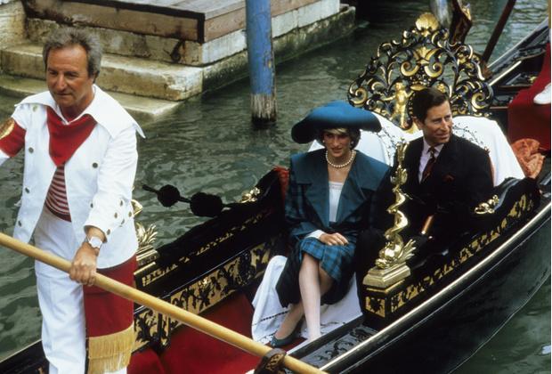Фото №29 - Никто не идеален: самые неудачные наряды принцессы Дианы