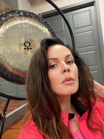 Екатерина Андреева, телеведующая программы время, звезды, красота, нестареющие знаменитости, спорт,
