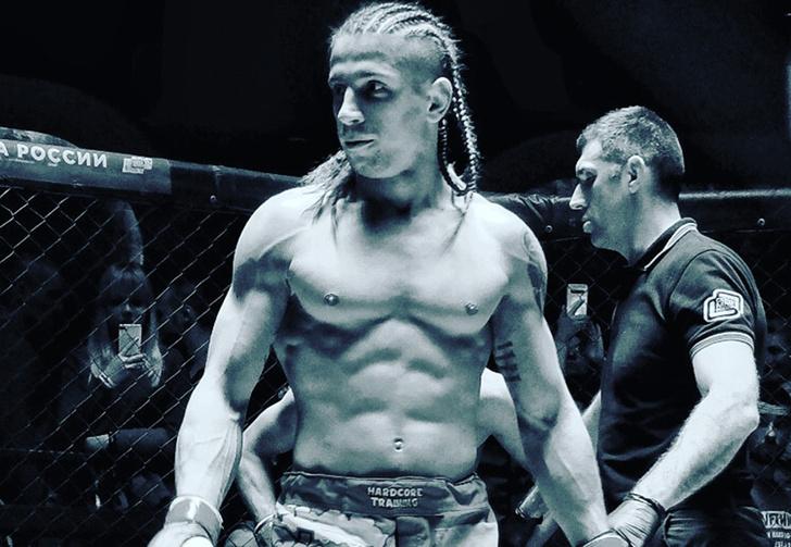 Фото №1 - Ростовский боец MMA лишился победы за то, что вышел в октагон под песню про Люцифера (видео)