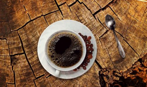 Фото №1 - Диетолог объяснила, почему нельзя пить кофе сразу после пробуждения