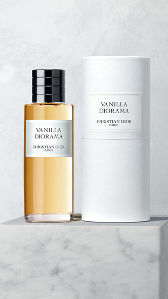 Фото №2 - Аромат дня: Vanilla Diorama от Maison Christian Dior