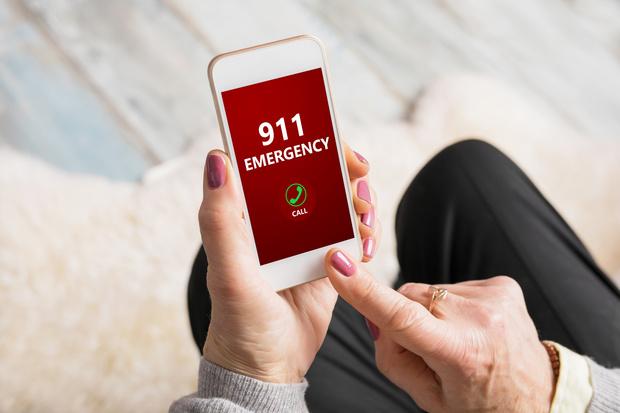 Фото №1 - 9 функций в телефоне, которые могут спасти в ситуации SOS