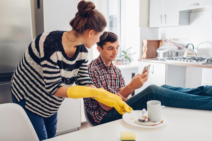 Фото №2 - Мужской взгляд: «Не помогаю по дому, чтобы проучить жену и детей»
