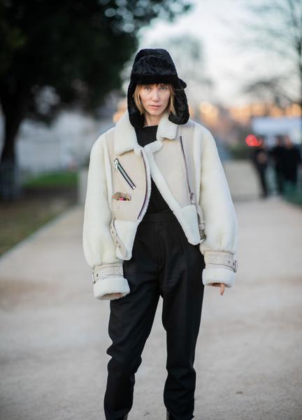 Фото №3 - Как носить шапку-ушанку этой зимой: советы стилиста
