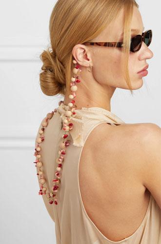 Фото №10 - Стильный прием: 10 цепочек, которые сделают ваши очки еще моднее