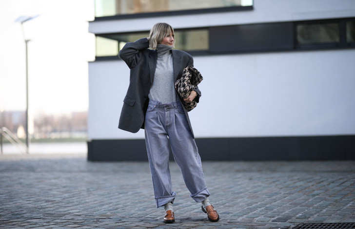 Фото №1 - Какие джинсы носят самые модные девушки этой весной