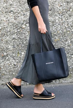 Фото №7 - Модные сандалии 2020: лучшие варианты для жаркого сезона