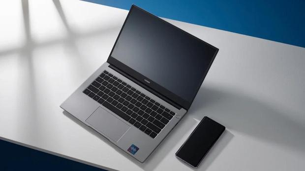 Фото №6 - Новых карьерных вершин в 2021 году достигают не в офисе, а в ноутбуке. Как и с помощью чего это происходит?