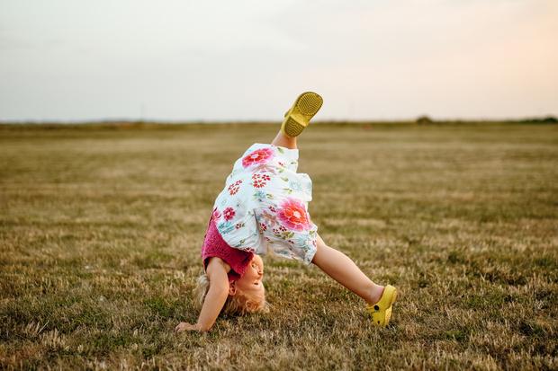 Фото №4 - Собираемся на пляж: 10 вещей, которые нужно взять для малыша
