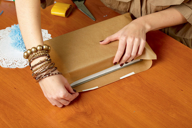 Фото №11 - Мастер-класс: Делаем открытку и упаковываем подарок