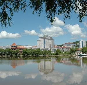 Фото №1 - Китайцам устроят русский быт