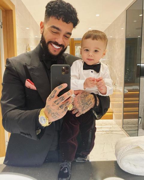 <p>Тимати с сыном Ратмиром </p>