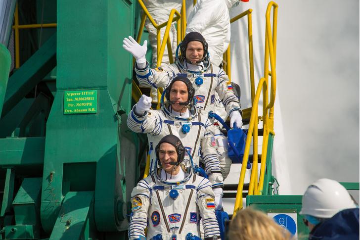 Фото №1 - На МКС полетел новый экипаж