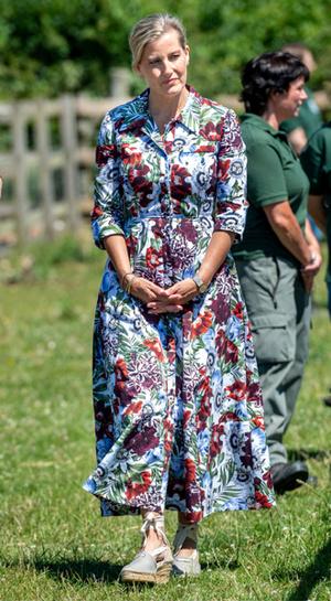 Фото №5 - Королевский выбор: где искать эспадрильи, как у Меган, Кейт и Леди Амелии Виндзор