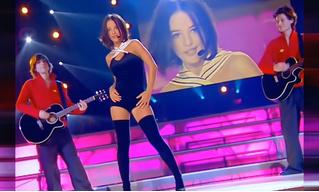 История одной песни: молодая француженка Alizée поет «J'en ai marre!»
