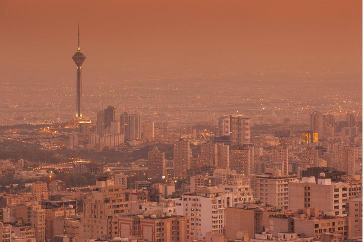Фото №1 - Крупнейший город Азии стремительно уходит под землю