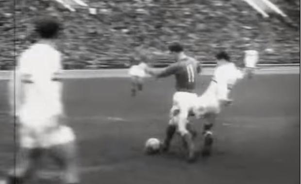 Фото №1 - Как советский футболист забил первый гол в истории кубков и чемпионатов Европы (видео)