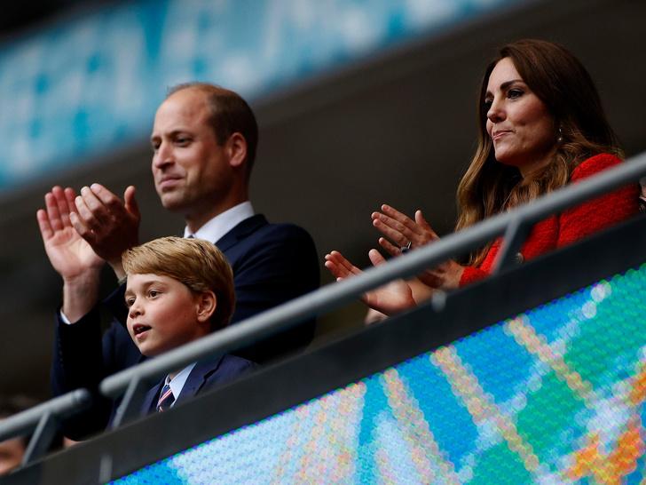 Фото №1 - Маленький джентльмен: как манеры принца Джорджа покорили британцев и весь мир